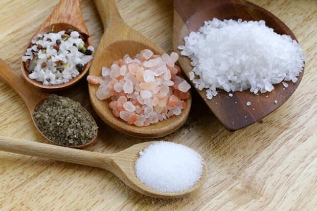 Соль опасна в больших количествах. / Фото: 4ne.ru