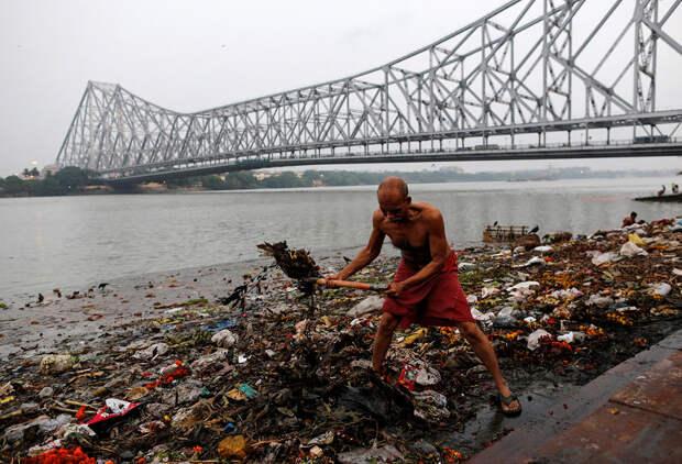 Все цвета грязи: как индийцы убивают священную рекуГанг