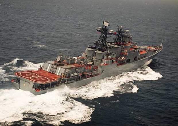 Большой противолодочный корабль ТОФ «Адмирал Пантелеев» выполнил артиллерийские стрельбы в Японском море