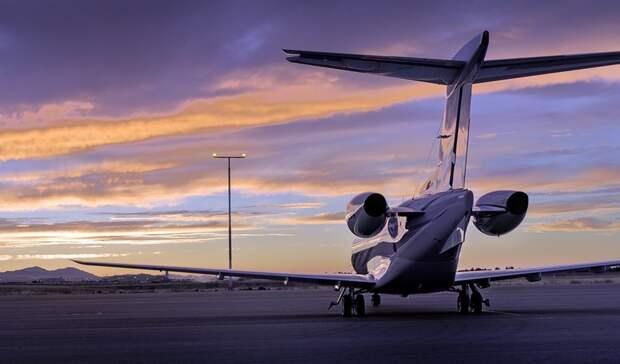 Ваэропорту «Кольцово» пилота при посадке самолёта пытались ослепить лазером
