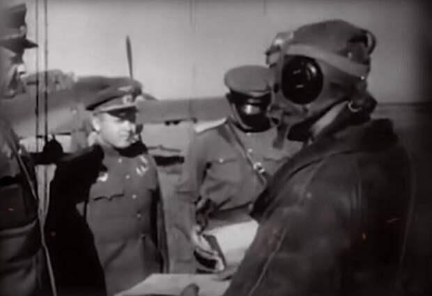 «Вдруг я увидел, как у них открылись бомбовые люки»: из воспоминаний советского лётчика