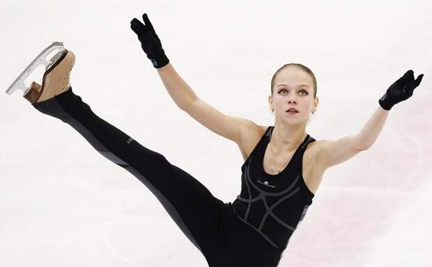 Тренер академии Плющенко рассказал, над улучшением каких вещей будет работать сперешедшей отТутберидзе Трусовой