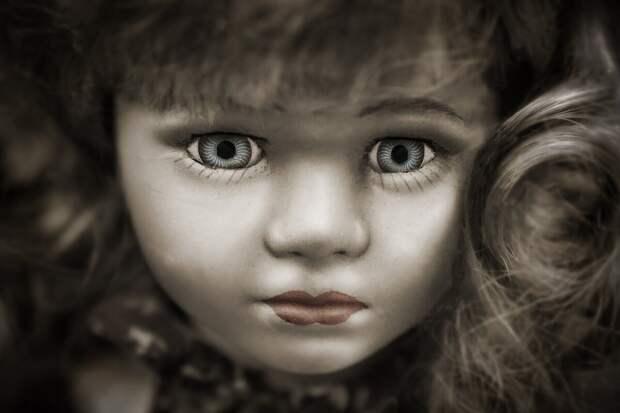 Платьишко для куколки.... (совсем немножко... жуткое чтиво)