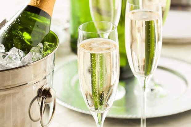Игристые вина: выбираем альтернативу шампанскому