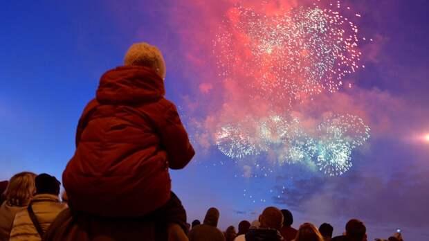 В честь Дня Победы над Москвой прогремят 12 тысяч фейерверков