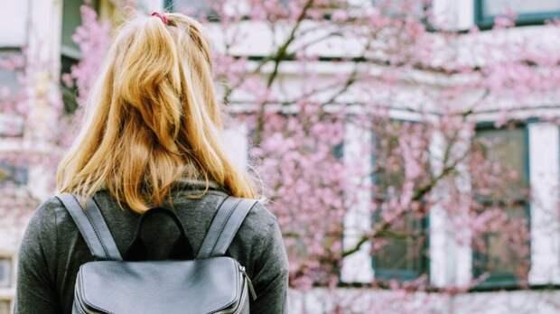 Двух ушедших из дома девочек-подростков ищут в Петербурге