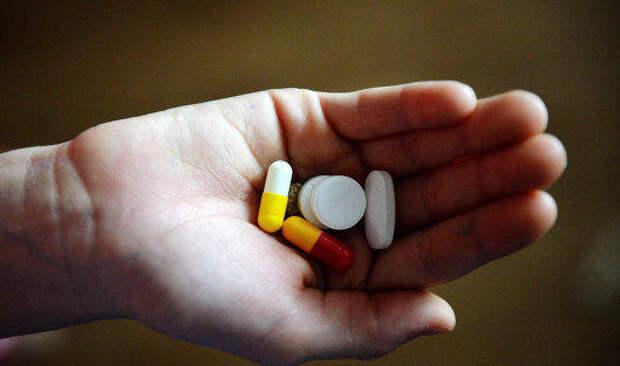 Врач рассказал, какие лекарства опасно принимать без назначения
