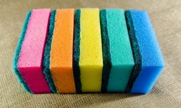 Спорим, что вы не знали? Что означает цвет губок для мытья посуды