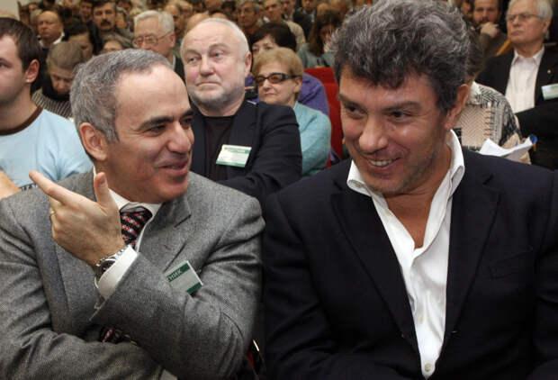 Гроссмейстер Каспаров решил сыграть против России и потерпел поражение