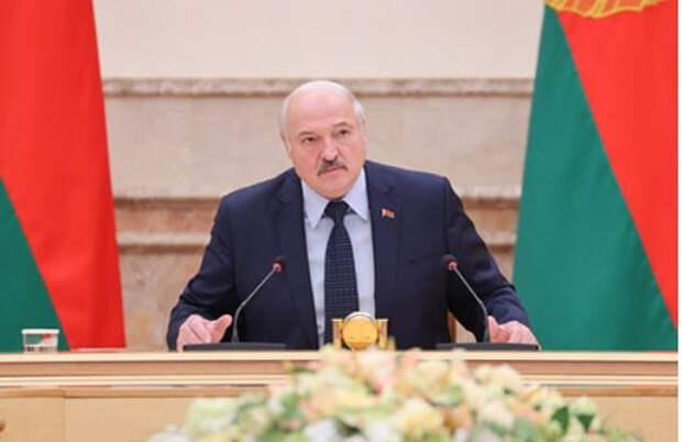 Лукашенко поручил подарить Тихановской печенье