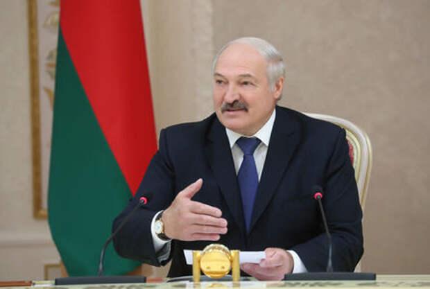 Лукашенко испугался Теслы - она слишком быстрая!