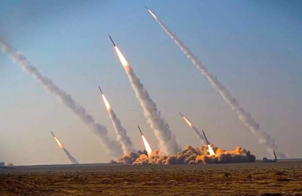 Масштабные учения на азербайджанской границе: Какой сигнал Иран посылает Баку
