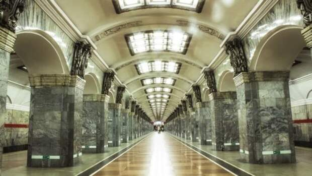 «Запах детства»: петербуржцы рассказали, чем должно пахнуть питерское метро
