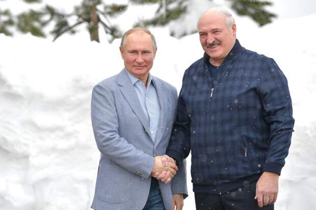 Лукашенко поблагодарил Путина за помощь, которую Россия оказала Белоруссии
