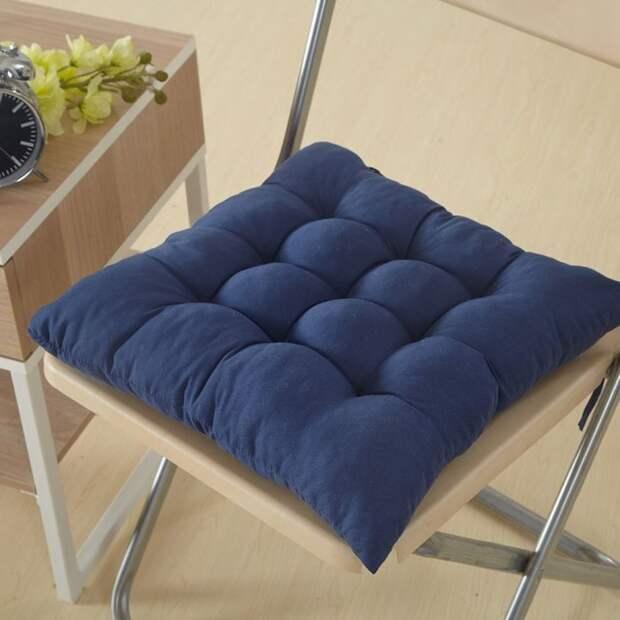 С подушкой любой стул станет более уютным и удобным. /Фото: images-na.ssl-images-amazon.com