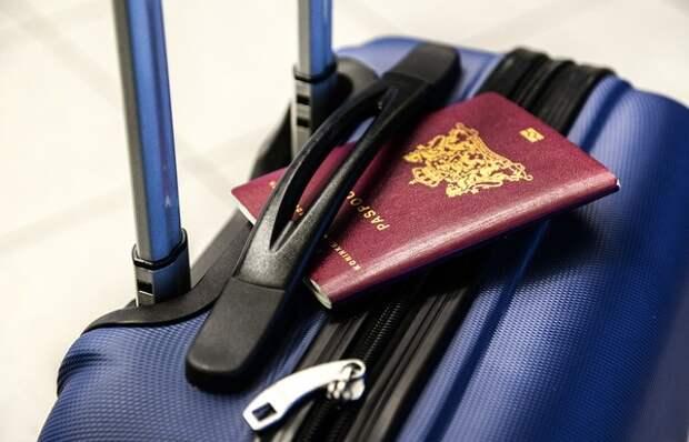 Захарова оценила идею разрешения на въезд в Турцию по внутренним паспортам