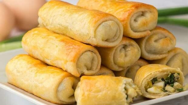 Пирожки с луково-яичной начинкой. Когда пойдет зеленый лук рецепт станет мега актуален!