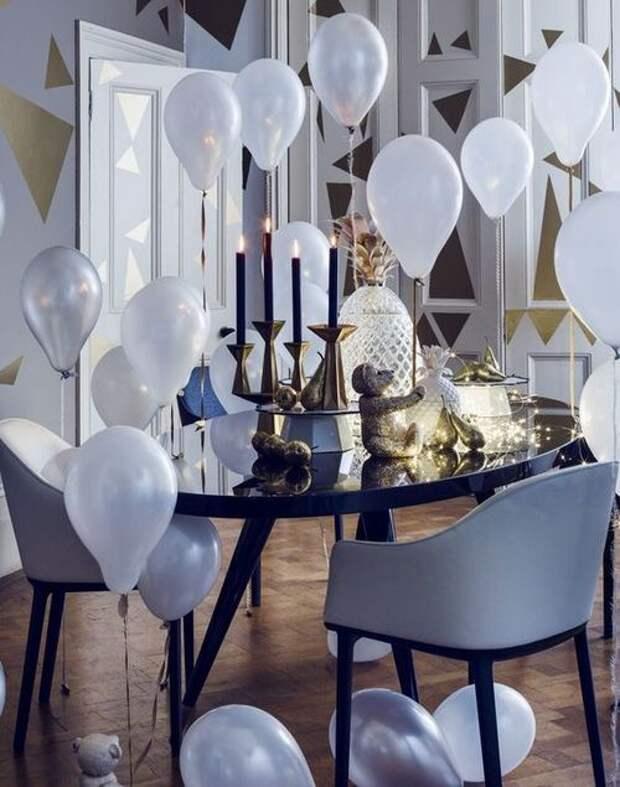 как украсить интерьер воздушными шариками без гелия