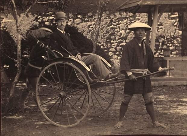 Цесаревич в Японии на рикше