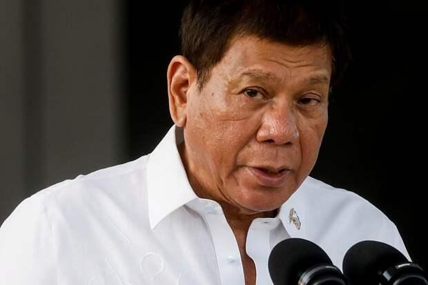 На Филиппинах запретили выбирать, какой вакциной прививаться от коронавируса