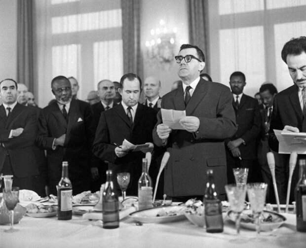 «Не подлежит разглашению»: что за сверток передал Генри Киссинджер Андрею Громыко