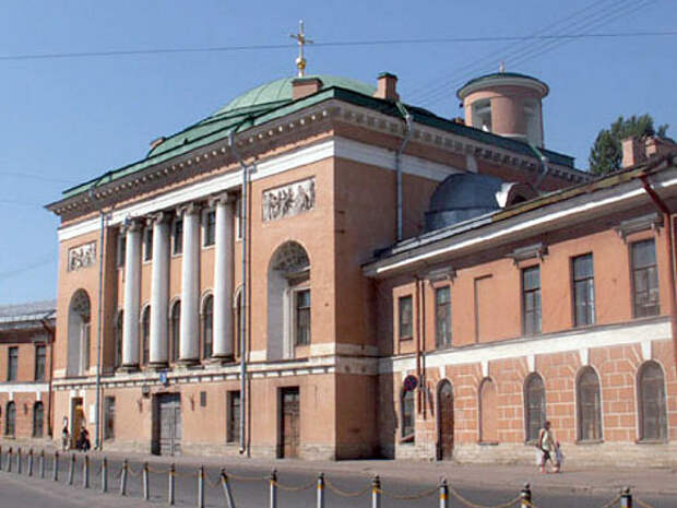 Петербургские архитекторы попросили Путина не превращать Конюшенное ведомство в «овощной рынок с закусочной»