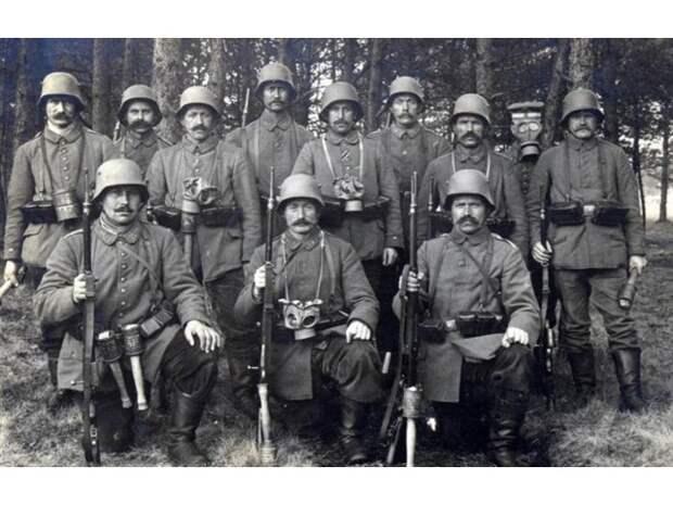 Англичане в Первую мировую войну предпочли тарелки на голове вместо касок