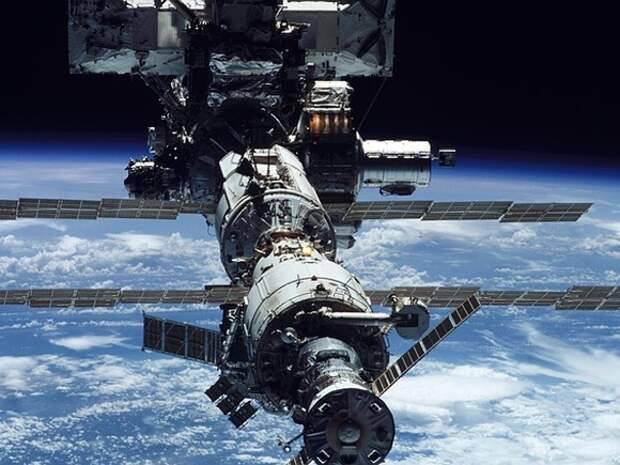 Космический корабль SpaceX состыковался с МКС