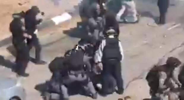 В Умм эль-Фахме полиция жестко разогнала протестующих против «пассивности правительства в борьбе с насилием и преступностью»
