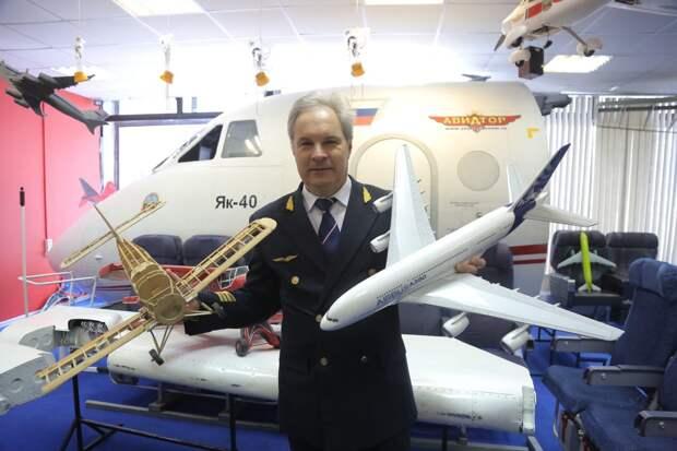 Летчик из Свиблова собрал более 200 моделей самолетов