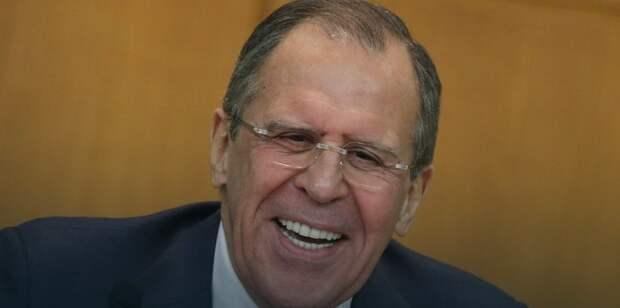 "Лавров проявил неожиданную заботу о журналистах: ""Кто хотел водку?"""