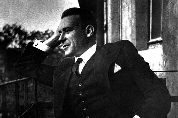 """Что ел, пил и кого ненавидел Михаил Булгаков: отвечаем на самые глупые вопросы об авторе """"Мастера и Маргариты"""""""