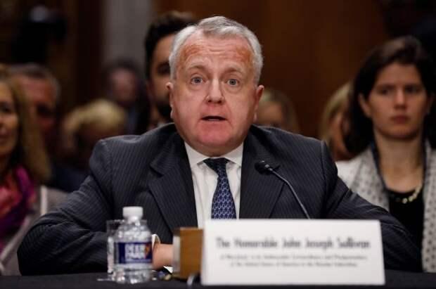 Американский посол в Москве Джон Салливан покинул свою резиденцию