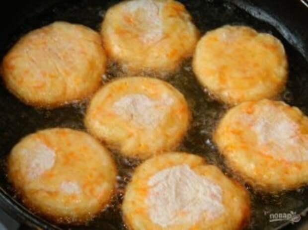 Морковные сырники с апельсиновым ароматом - фото шаг 4