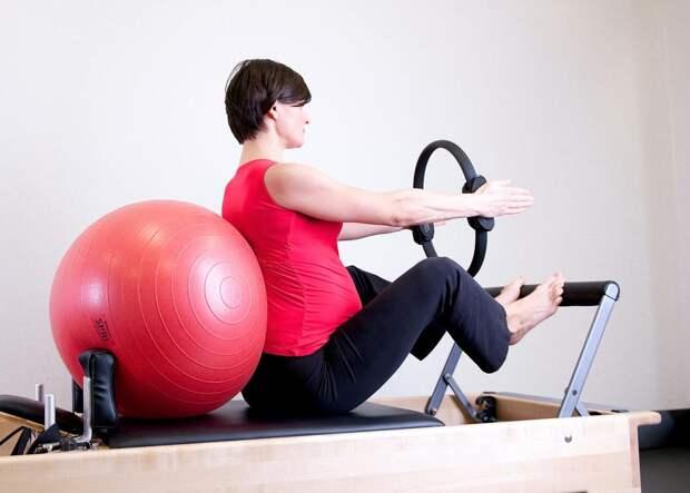 Ученые рассказали, почему важно заниматься спортом во время беременности