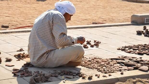 Археологи обнаружили в Турции надгробие возрастом почти 2 тысячи лет