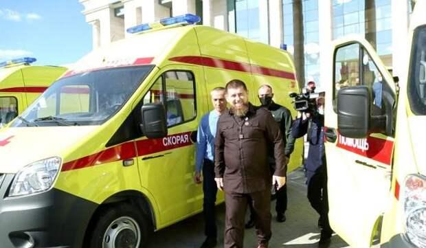 Кадыров передал десять современных реанимобилей больницам Чечни