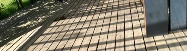 В сквере на Заповедной отремонтировали деревянный настил