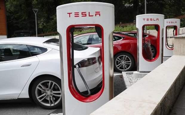Tesla поставит своих клиентов на счетчик