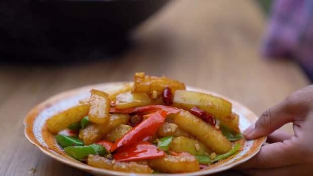 Видео: Зимние китайские дыни — чем они напоминают наши кабачки и что из них готовят