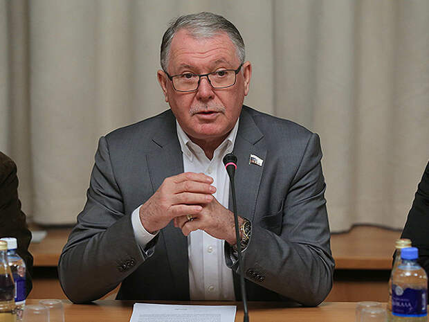 Экс-депутат Госдумы Александр Романович попытает счастья на выборах губернатора Севастополя