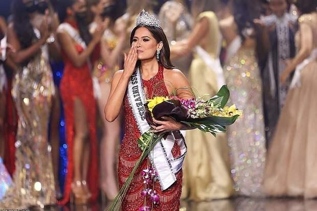 """""""Все играют в толерантность"""": почему красавицы  с европейской внешностью не вышли в финал конкурса """"Мисс Вселенная"""""""
