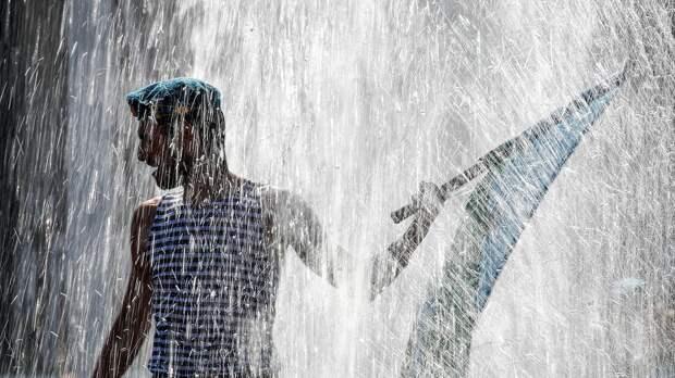 В Сиэтле нетрезвые русские десантники попытались отмыть активистов BLM в фонтане