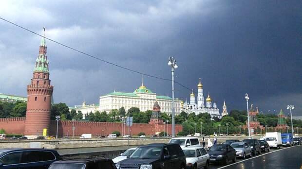 Москвичей в ближайшие дни ждут грозы с градом