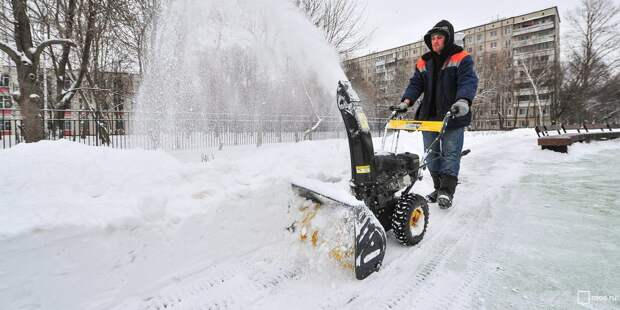 Снег в Куркине вывозят по мере возможности — управа