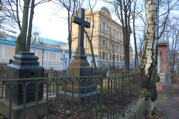Кладбища Александро-Невской лавры