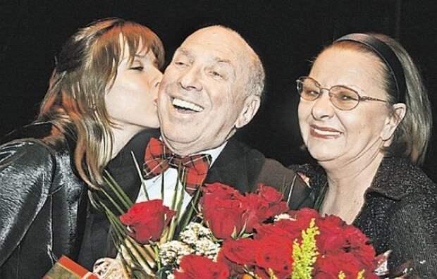 Наталья Тенякова с мужем Сергеем Юрским и их общей дочерью Дарьей.