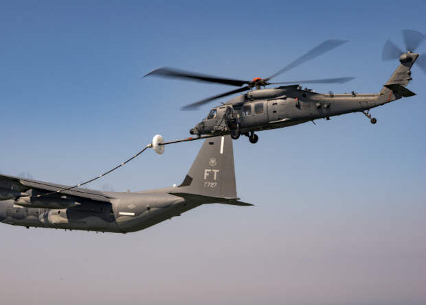 Американцы испытали вертолет для боевых спасательных операций воздушной дозаправкой