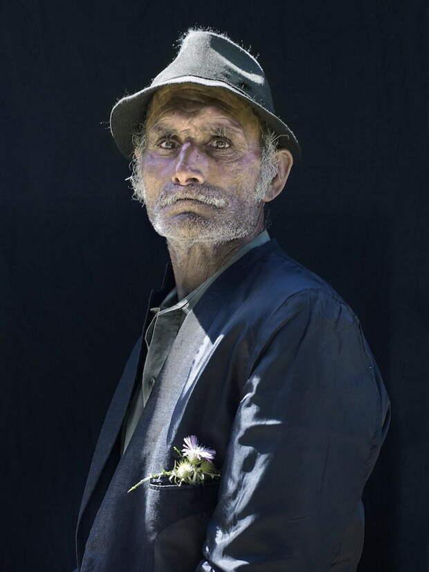 Пронзительные портреты пиренейских цыган встиле старинных картин