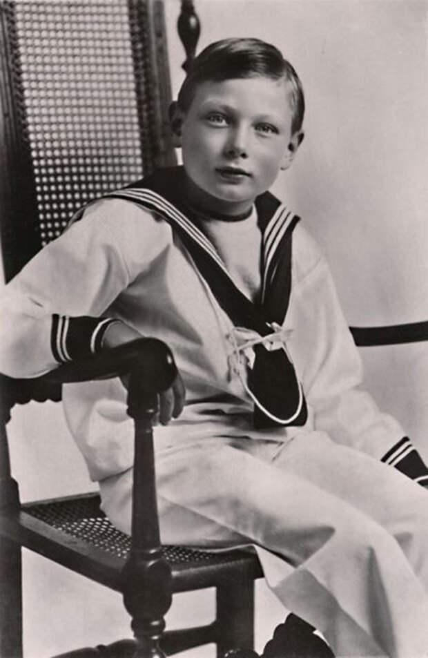 Принц Джон: почему наследника британского престола скрывали от людей